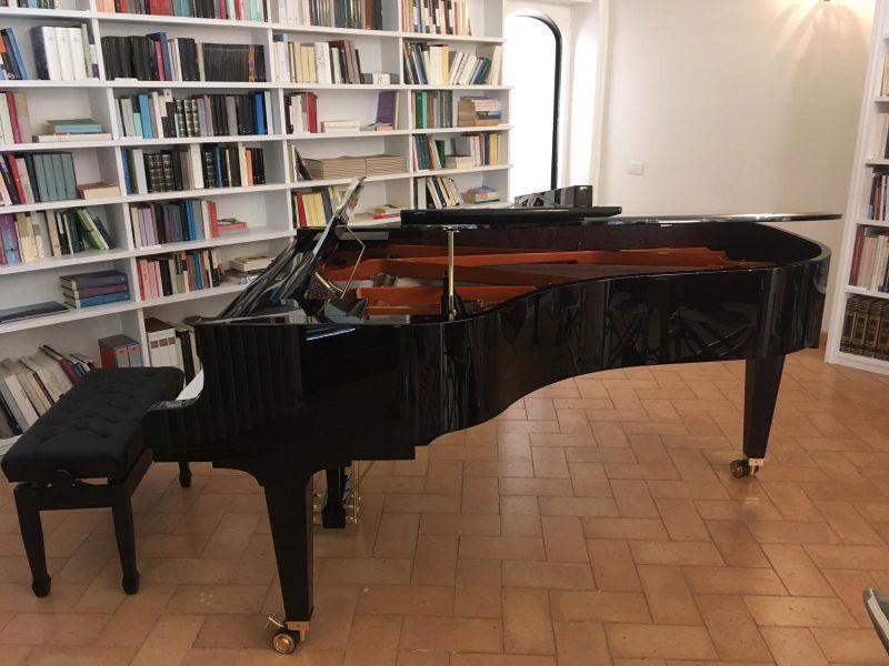 noleggio pianoforte a coda